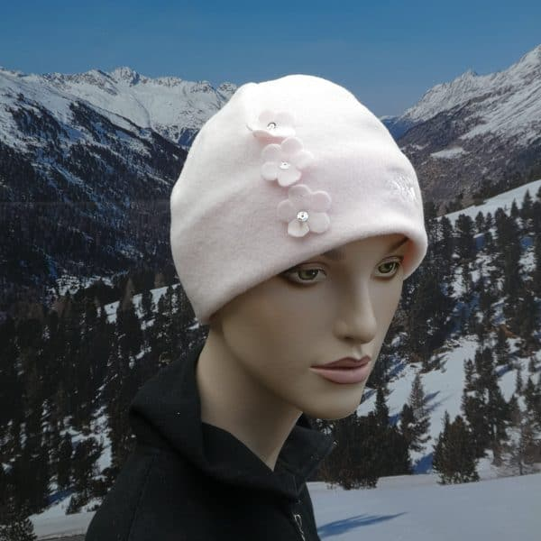 Hat pale pink 3 flowers
