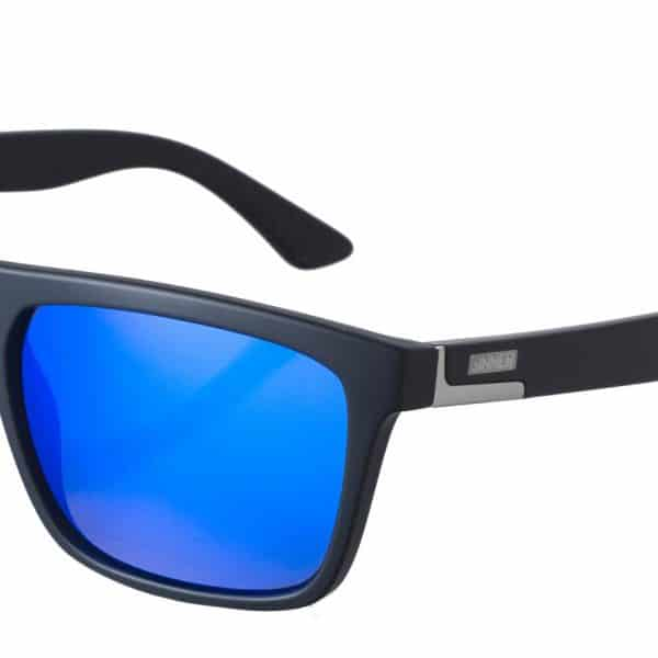 SISU-673-10-481-thunder-black-blue-600×600