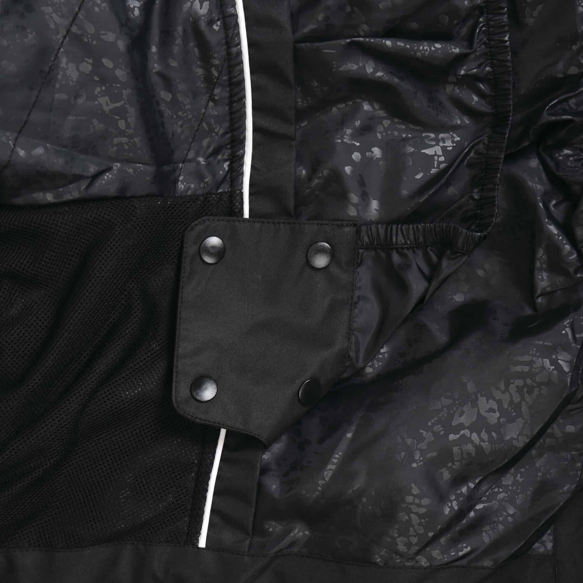 curator black detail